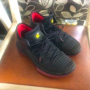 AIR JORDANS 6. 14. 98 Last Shot Sneakers, Size 7y